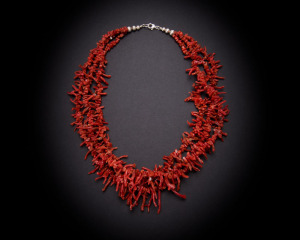 Three strand mediterranean coral frangia necklace